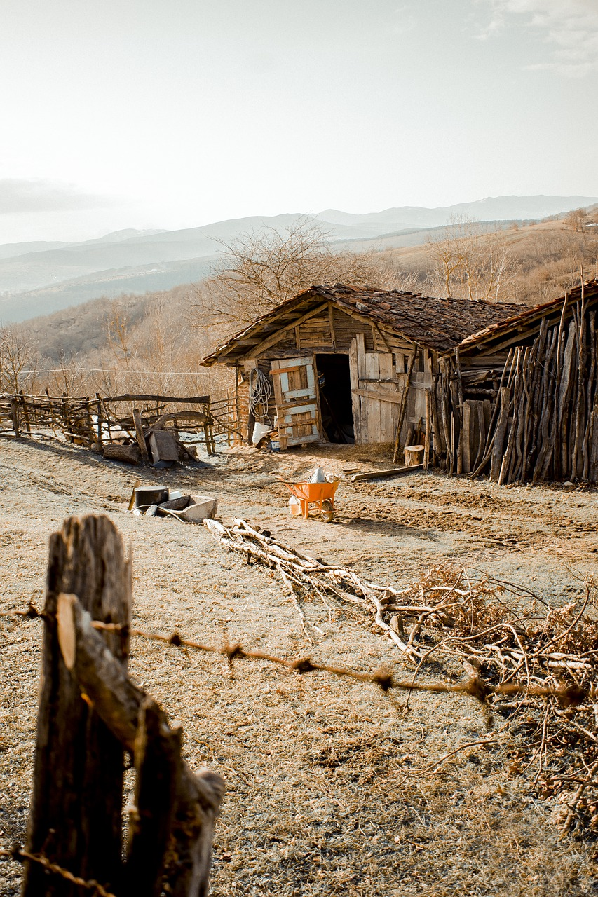 House Home Village Slum Mountain - grafAkir_aciZz / Pixabay